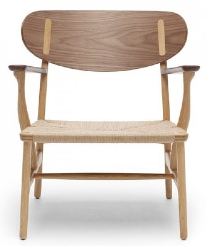 poltroncina CH22 Lounge Chair Carl Hansen & Son.