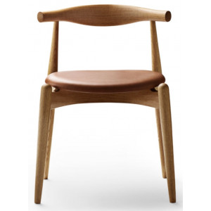 sedia CH20 Elbow Chair Carl Hansen & Son.